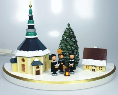 Dorf mit Seiffener Kirche mittelgroß bunt, mit Beleuchtung
