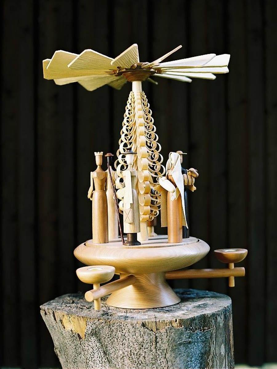 Tischpyramide Kerzen